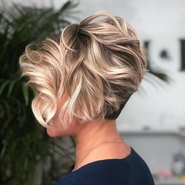 Къси прически за чуплива и къдрава коса