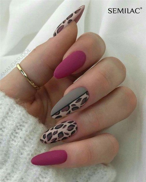 бадемови нокти принт
