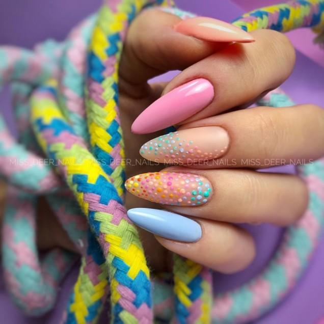 летен маникюр пастелни цветове