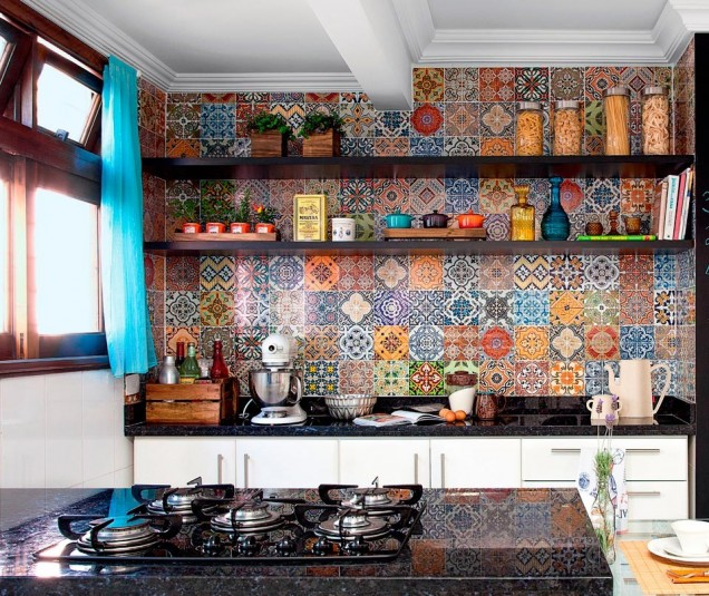 цветен гръб на кухня