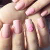 бледо розово маникюр.jpg