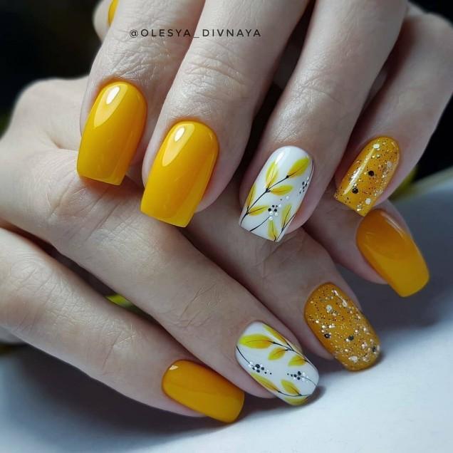 жълти нокти есен 2020