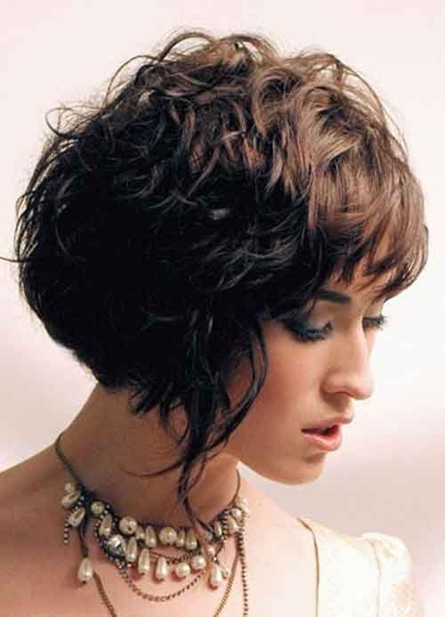 къса прическа с бретон гъста коса