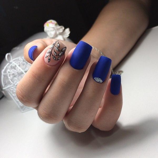 маникюр турско синьо