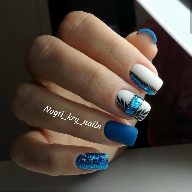 ефектен маникюр в турско синьо