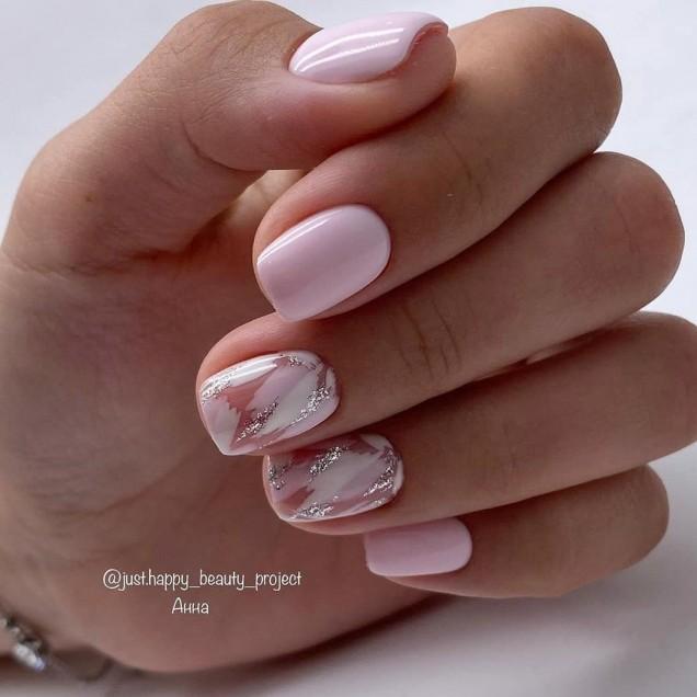 мраморен маникюр къси нокти