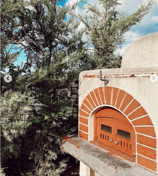 домът на Бергюзар Корел барбекю