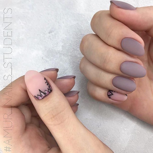 деликатен маникюр къси нокти