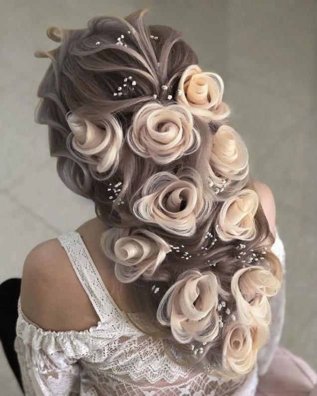 рози в косата.jpg