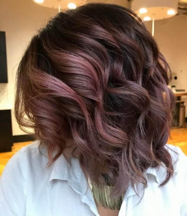 Моден шоколадово-лилав цвят 2021.jpg