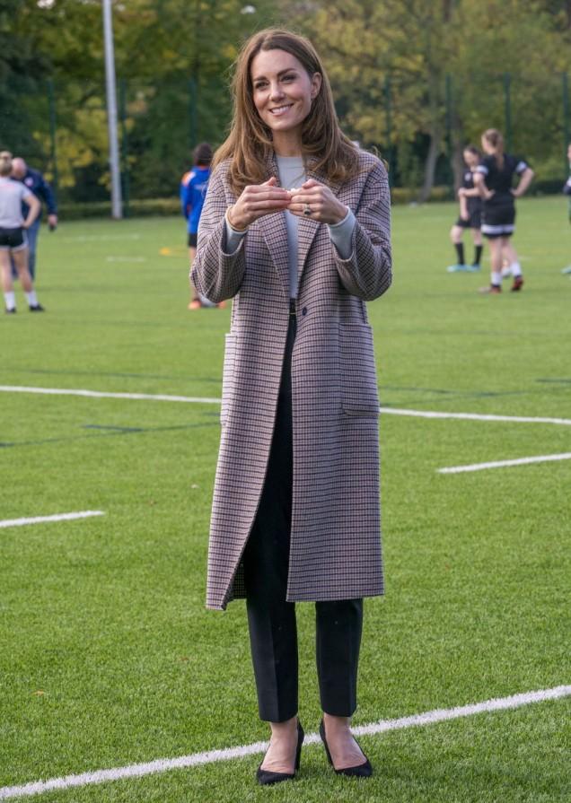 Кейт Мидълтън есенно палто