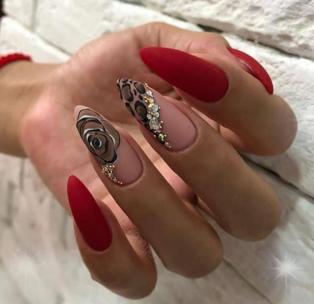 великолепен дизайн дълги нокти