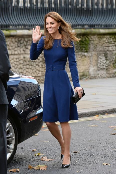 Кейт Мидълтън елегантна есенна рокля