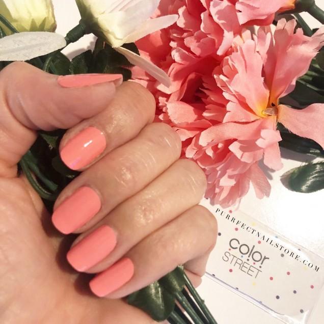 Цвят корал за нокти.jpg