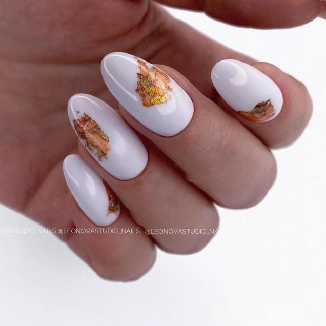 есенно-зимен маникюр с фолио