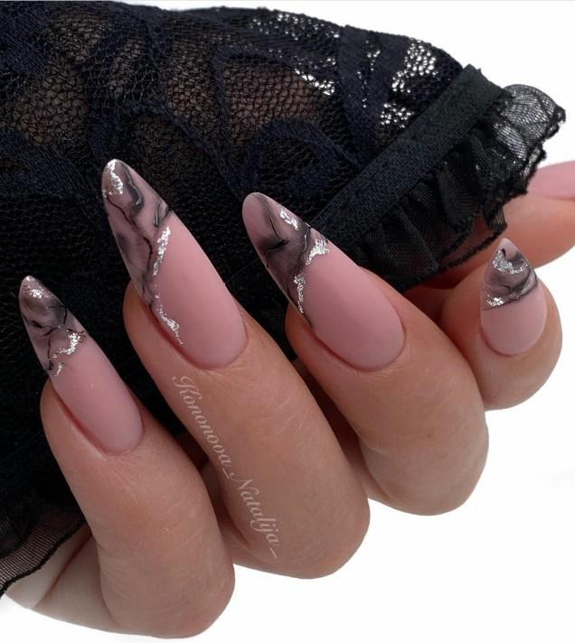 Ефектен маникюр за дълги нокти
