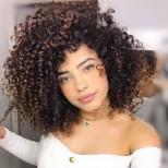 Подходящи къси прически за къдрава коса