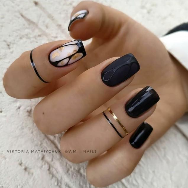 Черен маникюр за къси нокти
