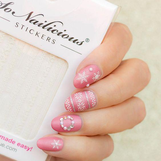 сладко розов зимен маникюр