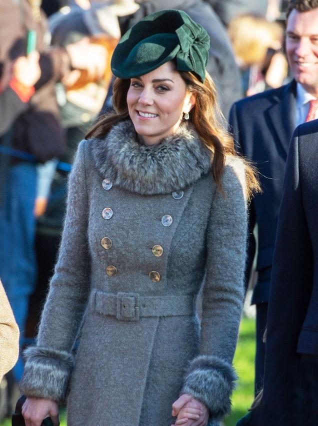 Кейт Мидълтън коледно палто