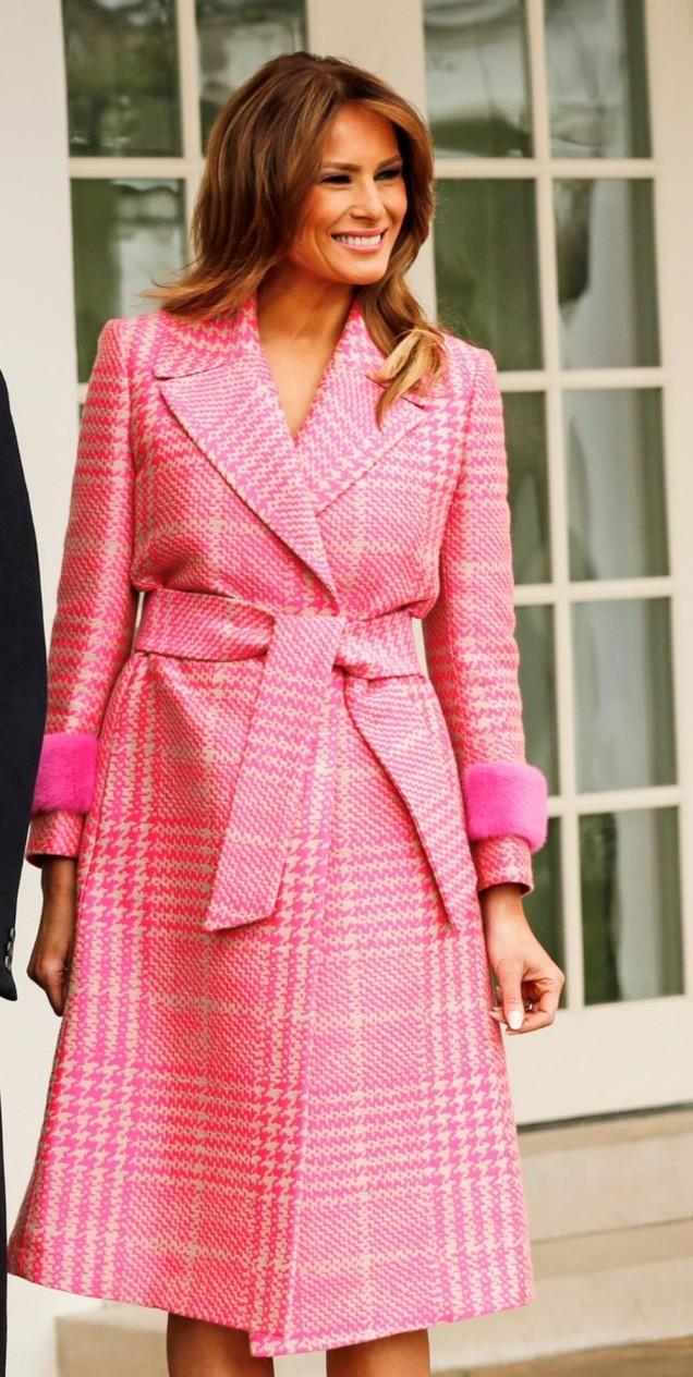 Мелания Тръмп розов тоалет