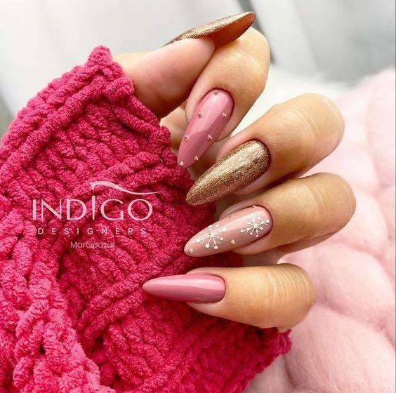 розов бадемов маникюр зима