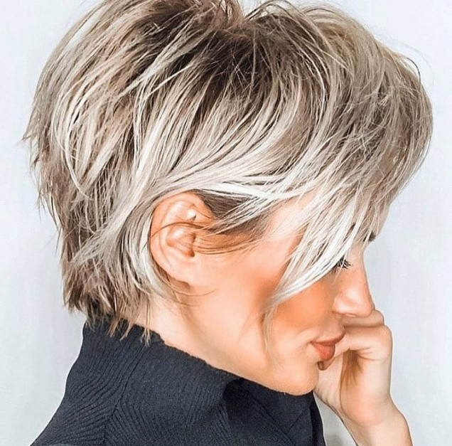 Актуални цветове за къса коса 2021