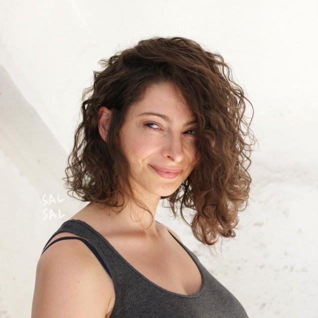 Празнични прически за средно дълга коса