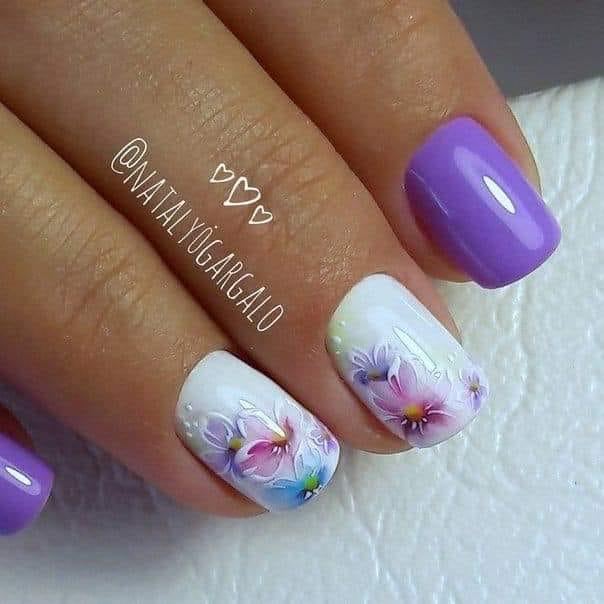 къси лилави нокти.jpg