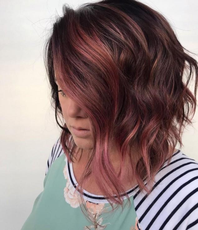 Прически за средно дълга коса 2021