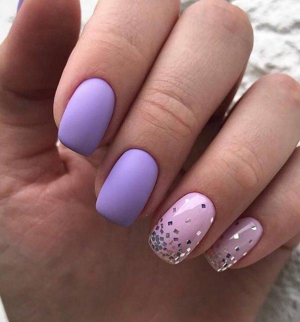 лилаво-розов маникюр