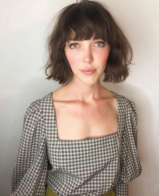 френска прическа чуплива коса