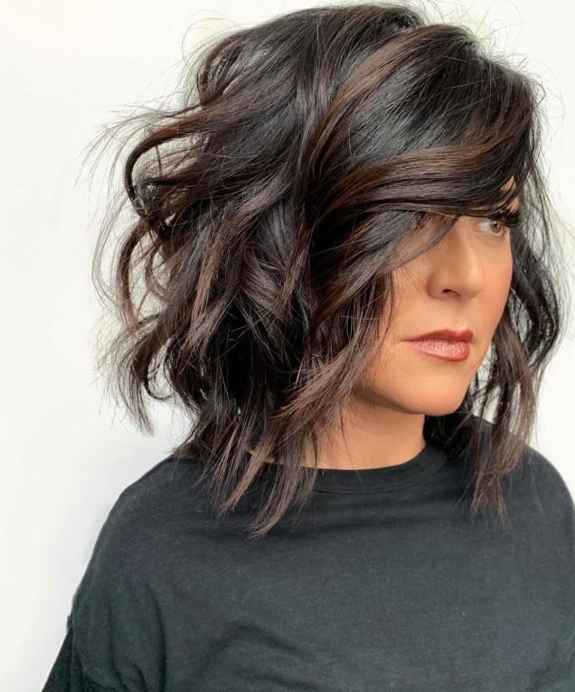 Прически за кръгло лице и чуплива коса 2021