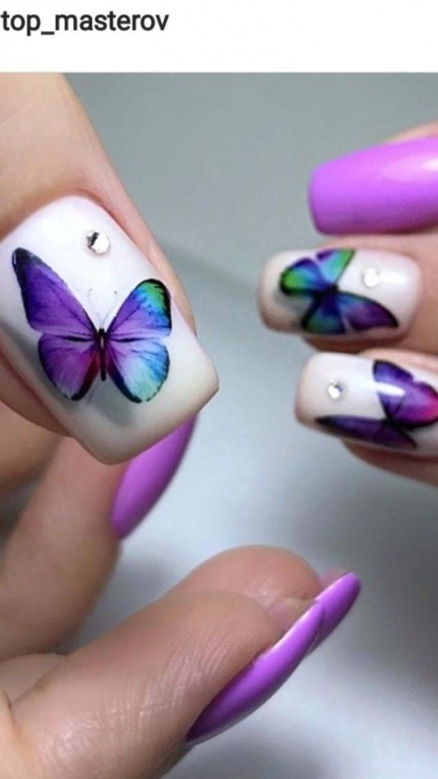 лилав маникюр с пеперуди.jpg