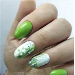 зелен флорален маникюр