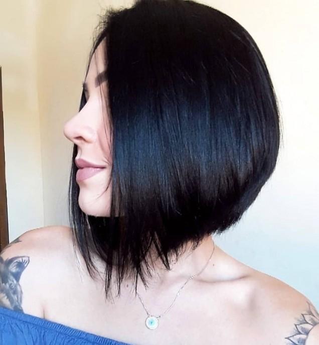 Прическа боб за чуплива коса