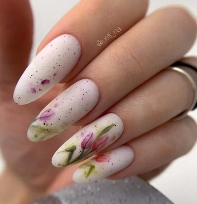 маникюр пролетни цветя