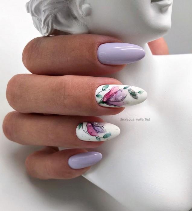 арт маникюр с цветя