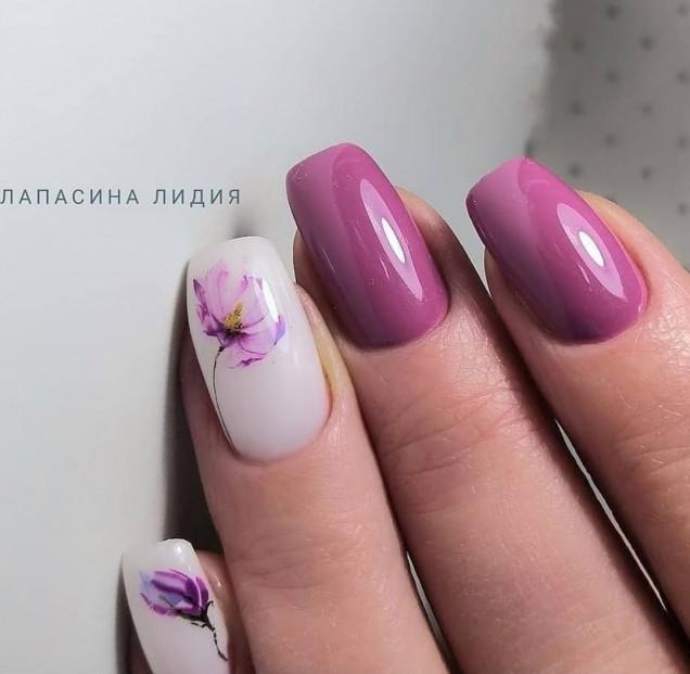 Пролетен маникюр с пеперуди