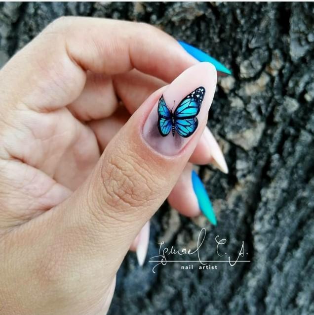 Маникюр с пеперуди