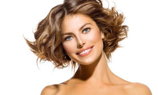 прическа гъста коса с къдрици