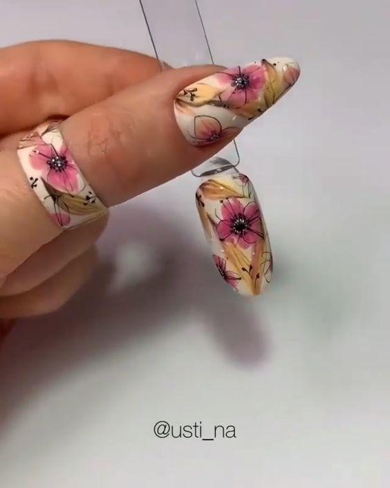 маникюр дизайн на цветя