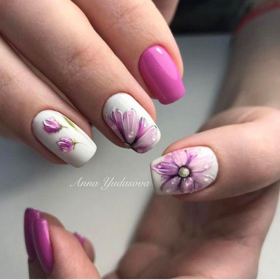 квадратен маникюр с цветя