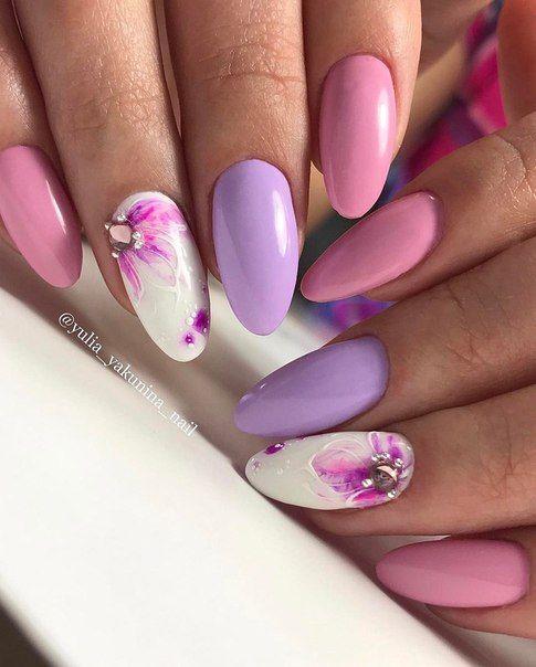 изящен пролетен маникюр лилава гама