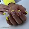 Маникюри в ярки цветове за пролетно настроение