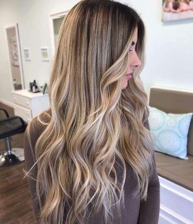 каскада на много дълга коса