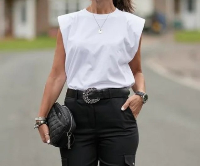 блуза с къси ръкави