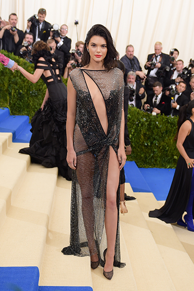 рокля с цепки.jpeg
