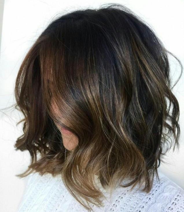 каре на вълни тъмна коса