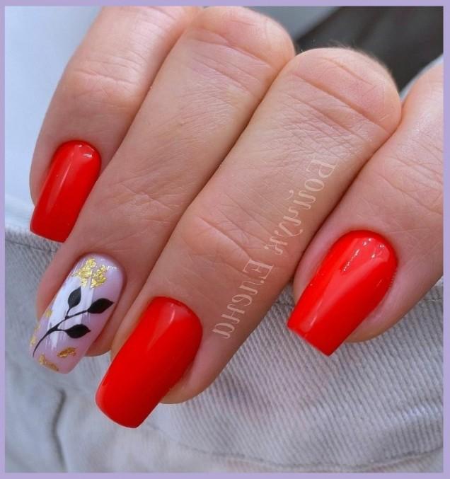 червен пролетен маникюр